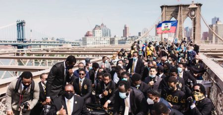 African History Project – crowd-of-protesters-kneeling